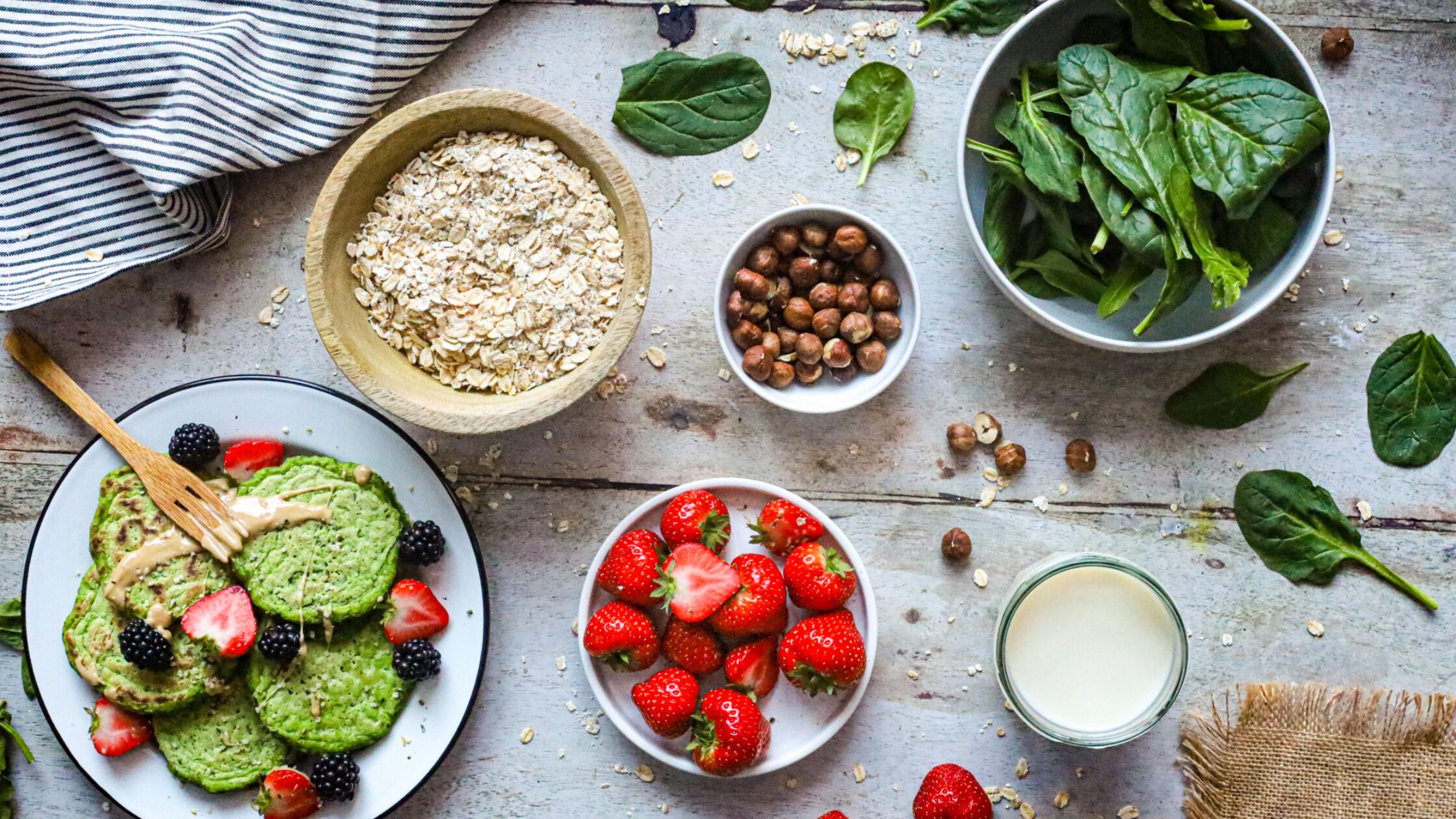 Vegan en glutenvrije spinazie pannenkoeken