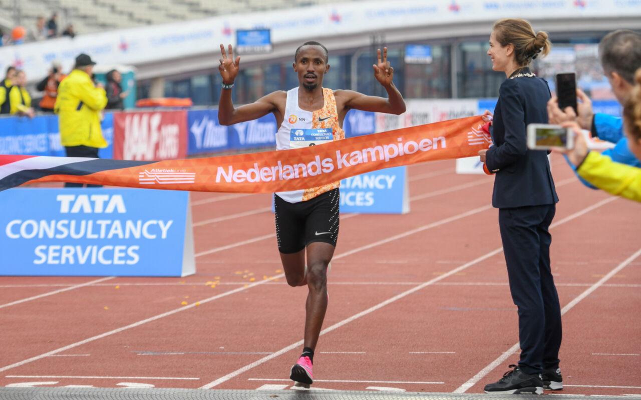 Abdi Nageeye en Bo Ummels pakken nationale marathontitels