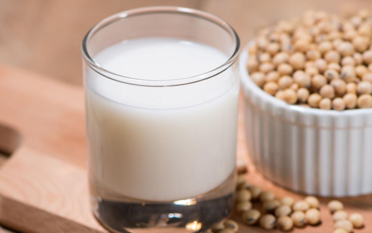 Plantaardige melk als vervanging voor koemelk?