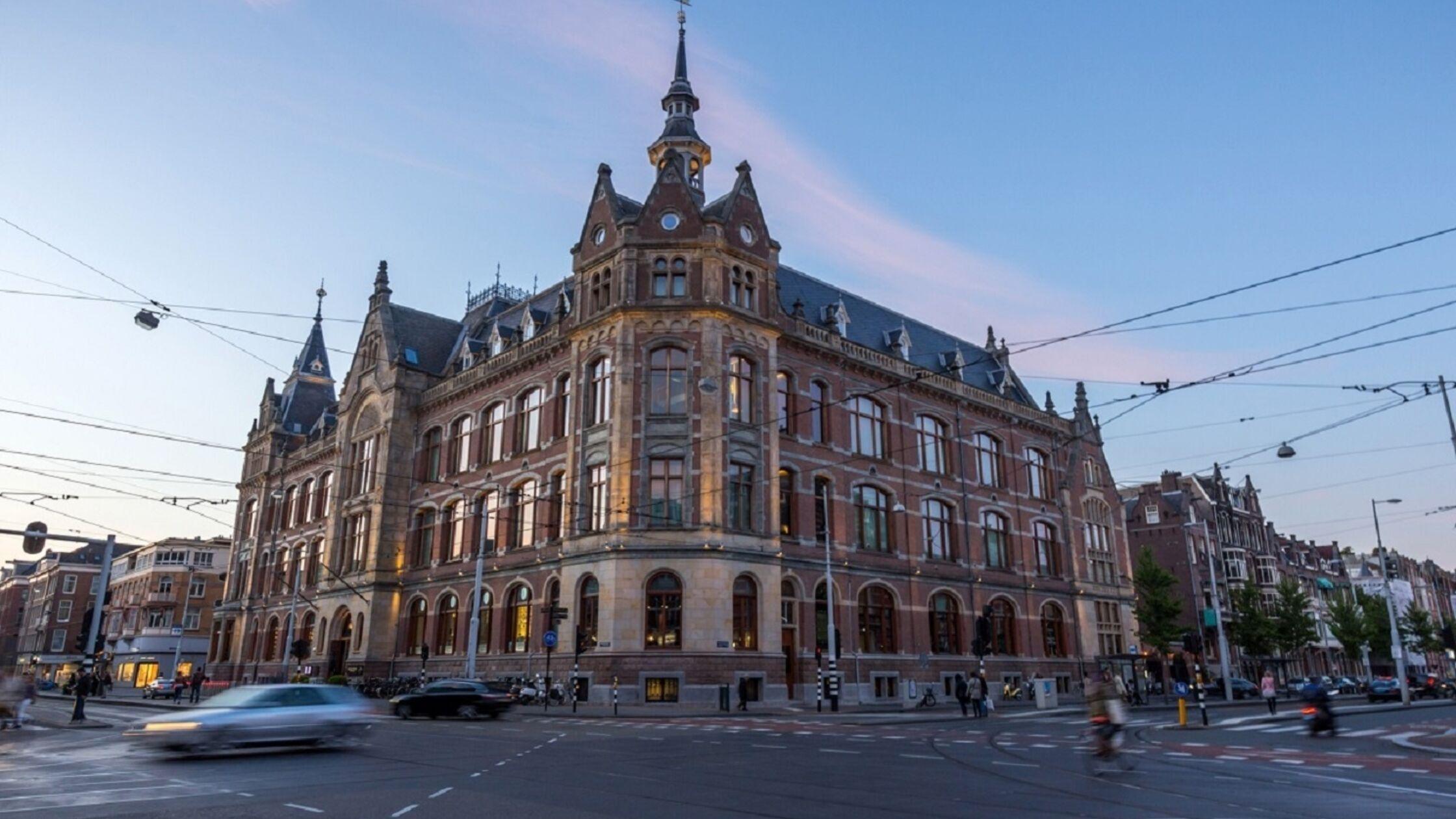In stilte Amsterdam verkennen tijdens Silent Night Run – Premium Edition