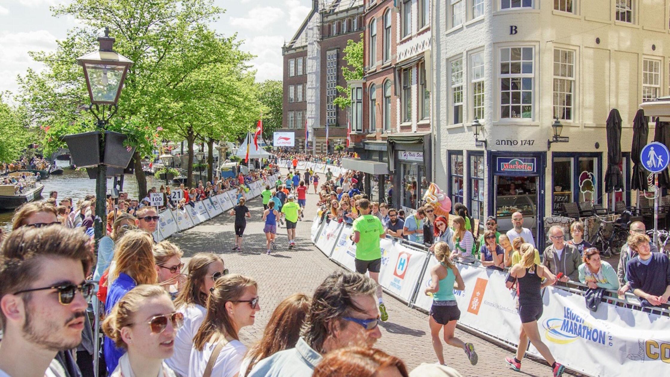 Leiden marathon opent café voor singles