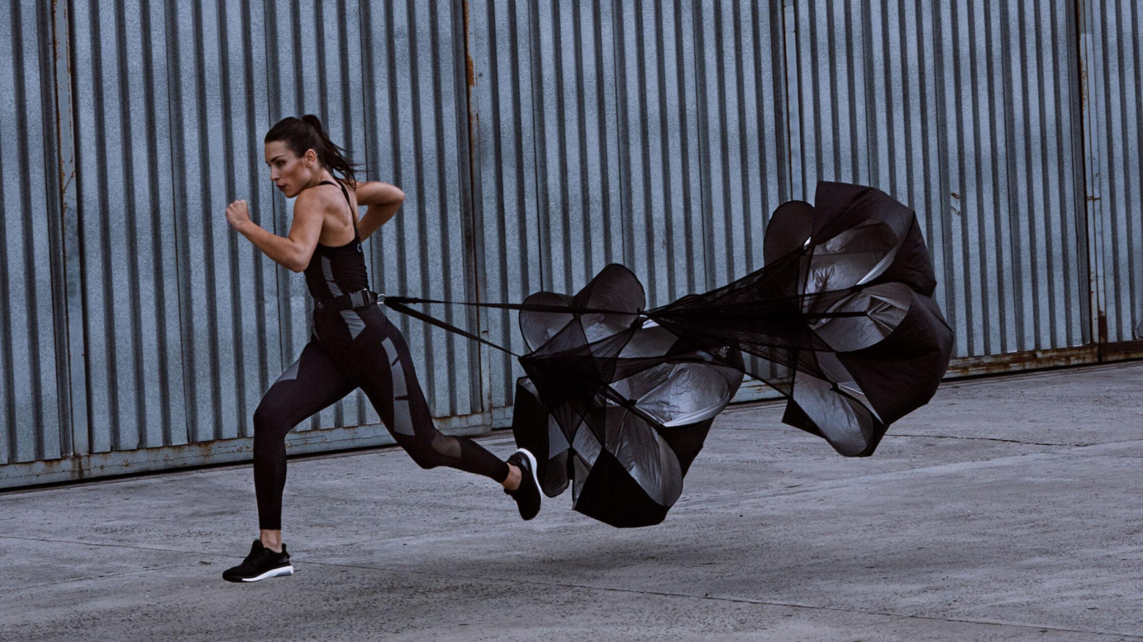 Nieuwe trend: trainen met een parachute