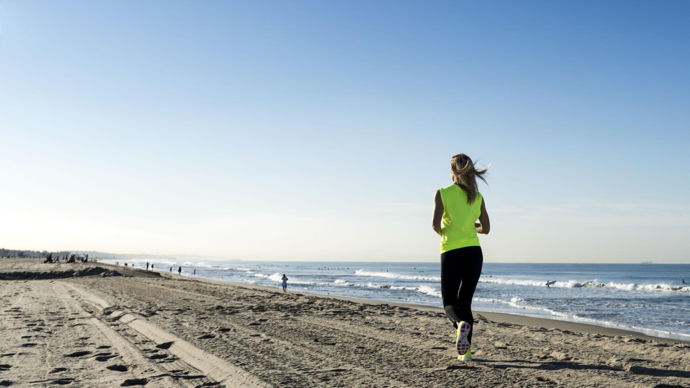 Zes tips voor hardlopen op het strand