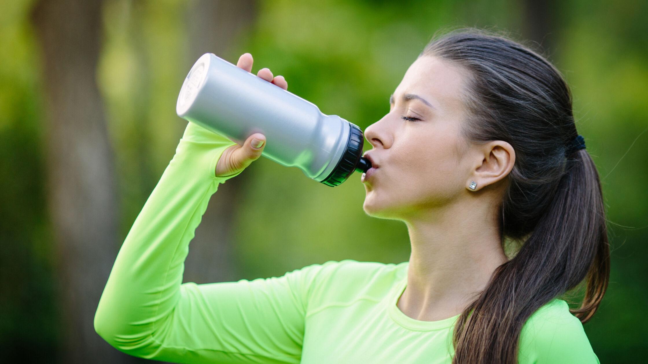 Wat je vooral niet moet drinken voor het lopen